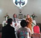 20141129-Indahnya-Kebersamaan-Bhikkhu-Pannyavaro-Berikan-Nasehat-Perkawinan-di-Gereja